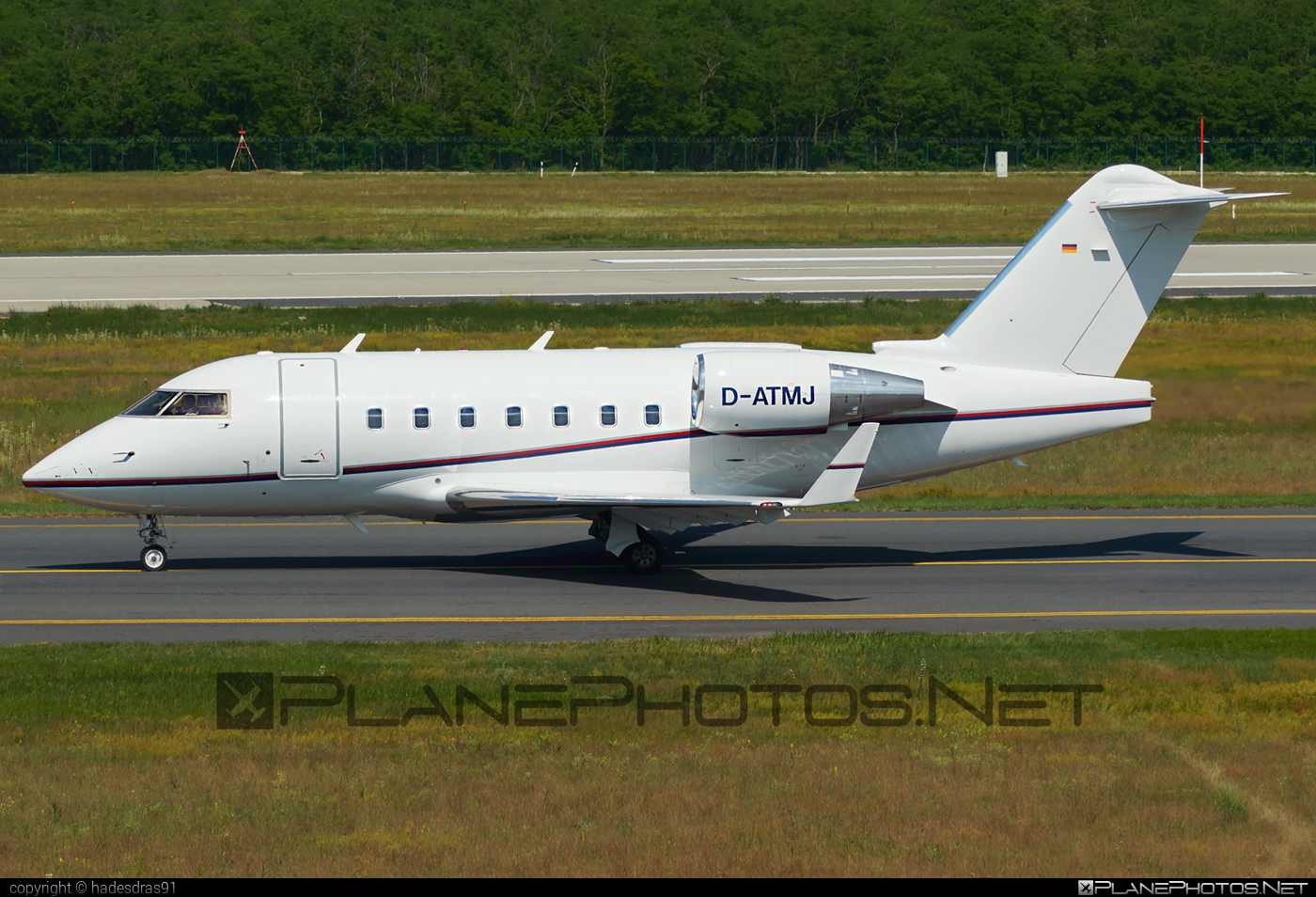 Bombardier CL-600-2B16 Challenger 604 - D-ATMJ operated by Air Independence #bombardier #challenger604 #cl6002b16