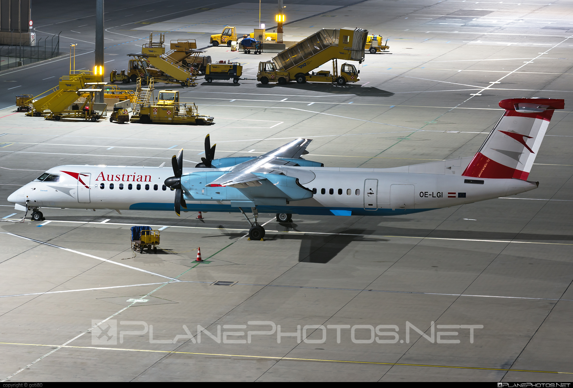 Bombardier DHC-8-Q402 Dash 8 - OE-LGI operated by Austrian Airlines #bombardier