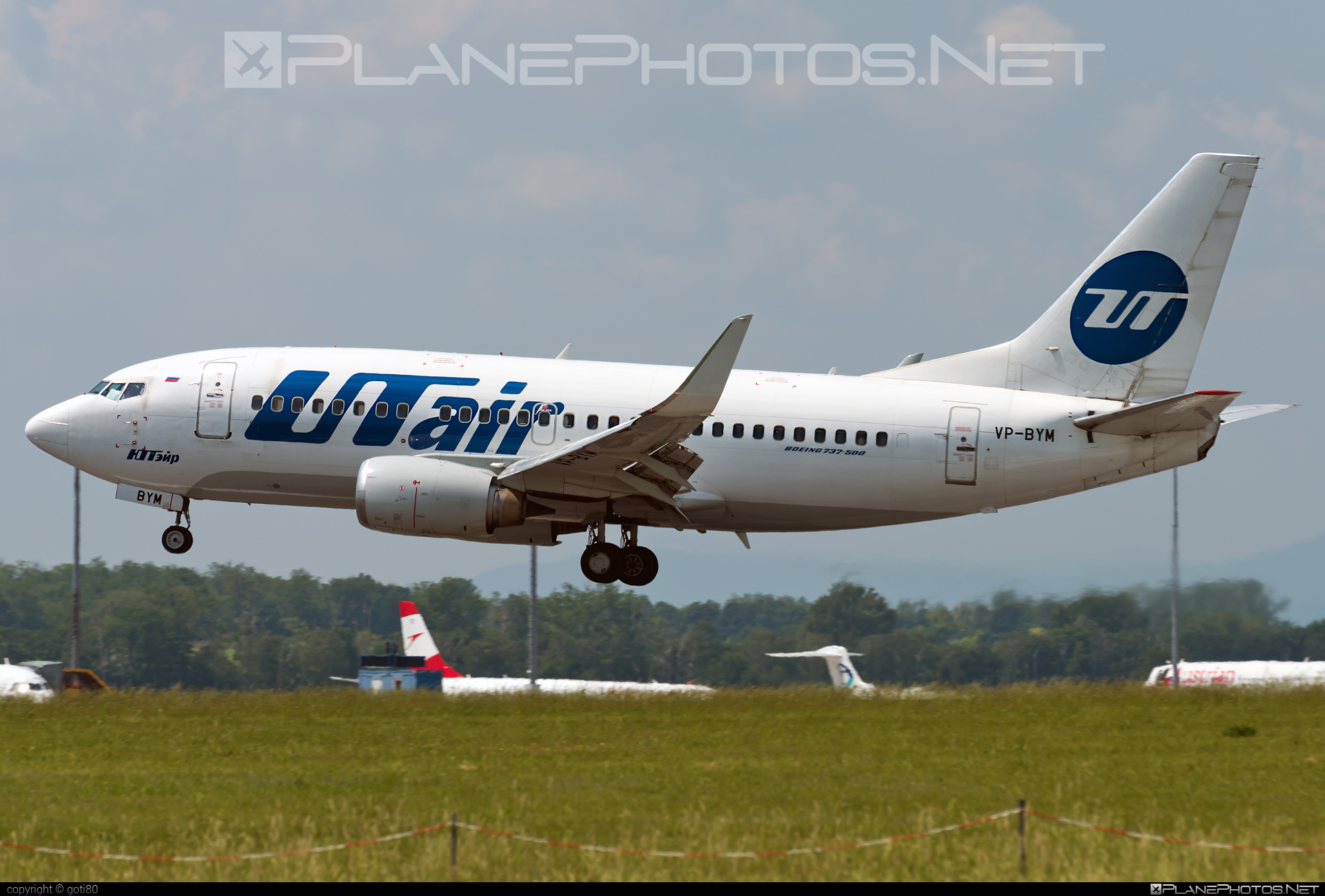 Boeing 737-500 - VP-BYM operated by UTair Aviation #b737 #boeing #boeing737 #utair #utairaviation