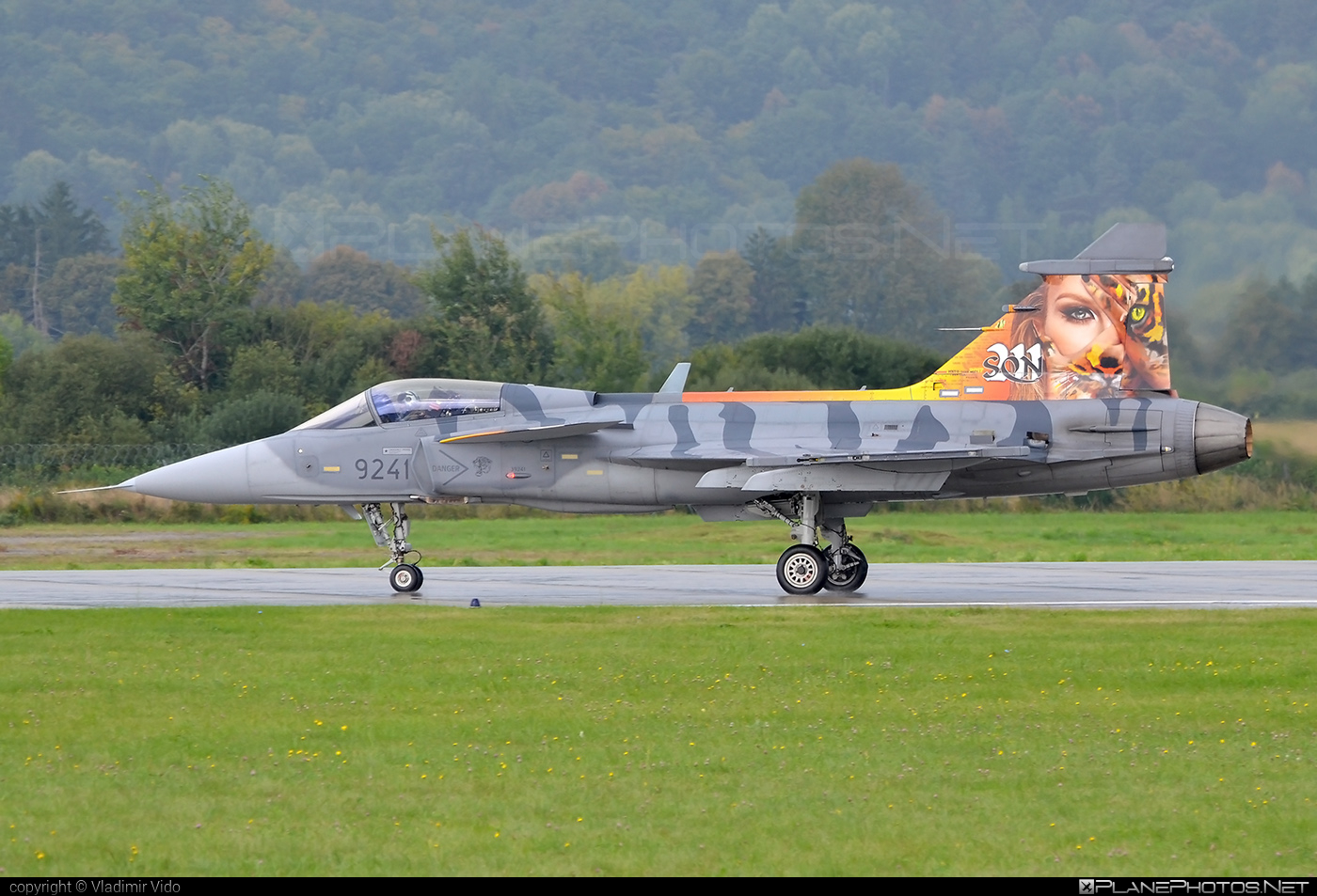 Saab JAS 39C Gripen - 9241 operated by Vzdušné síly AČR (Czech Air Force) #czechairforce #gripen #jas39 #jas39c #jas39gripen #saab #siaf2018 #vzdusnesilyacr