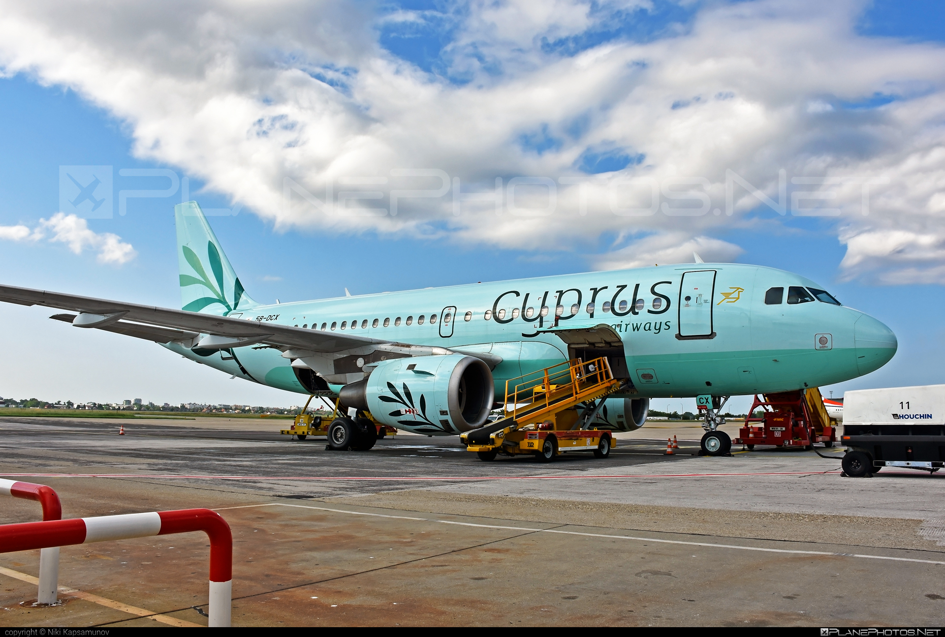 Airbus A319-113 - 5B-DCX operated by Cyprus Airways #a319 #a320family #airbus #airbus319
