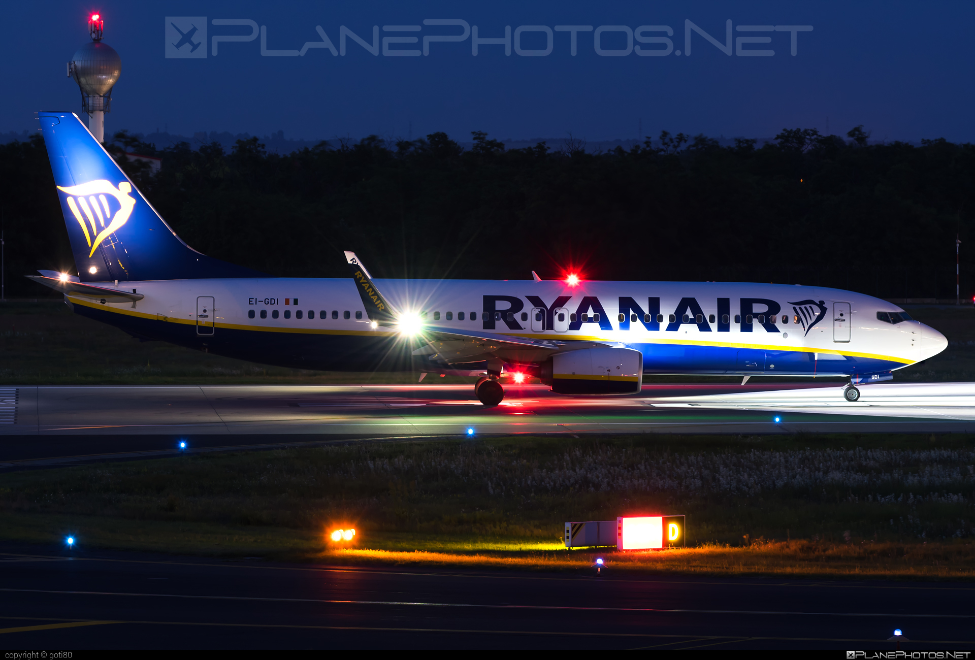Boeing 737-800 - EI-GDI operated by Ryanair #b737 #b737nextgen #b737ng #boeing #boeing737 #ryanair