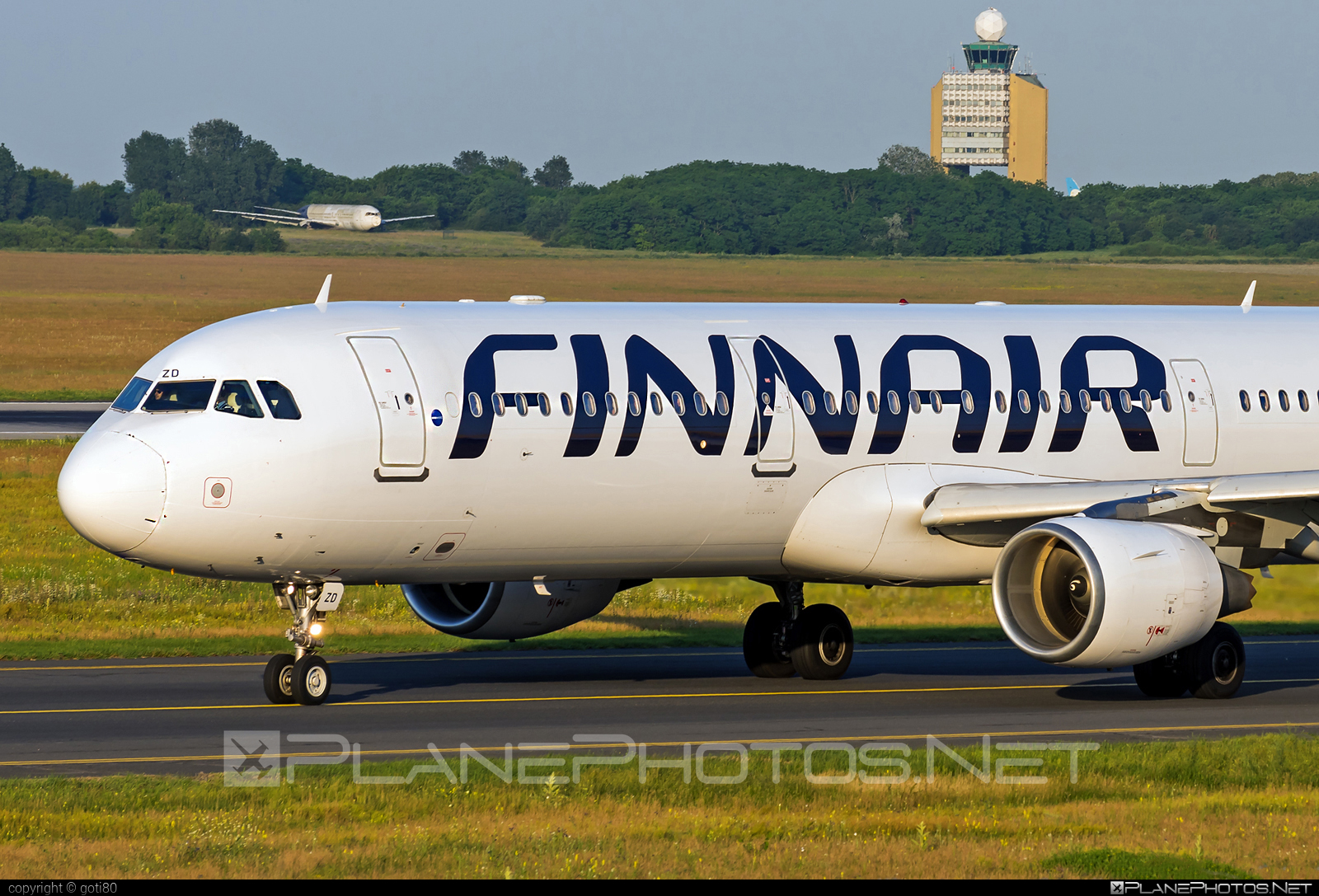 Airbus A321-211 - OH-LZD operated by Finnair #a320family #a321 #airbus #airbus321 #finnair