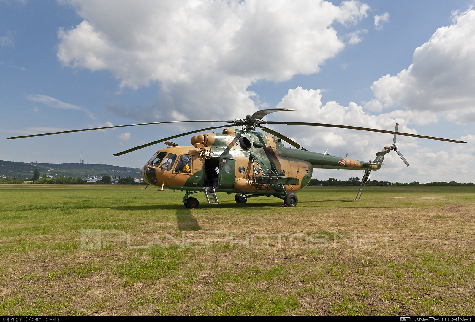 Mil Mi-17N - 704 operated by Magyar Légierő (Hungarian Air Force) #hungarianairforce #magyarlegiero #mi17 #mi17n #mil #mil17 #milhelicopters