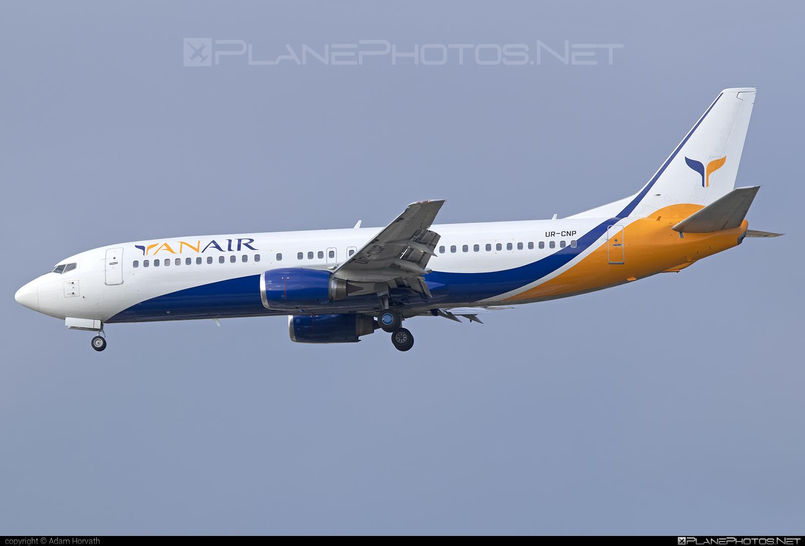 Boeing 737-400 - UR-CNP operated by YanAir #b737 #boeing #boeing737 #yanair