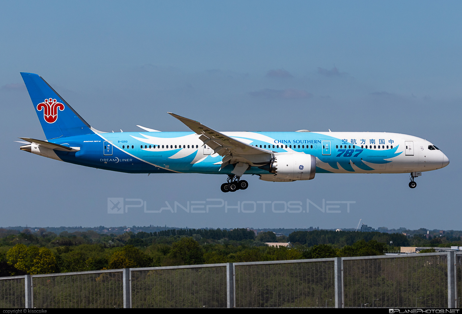 Boeing 787-9 Dreamliner - B-1293 operated by China Southern Airlines #b787 #boeing #boeing787 #dreamliner