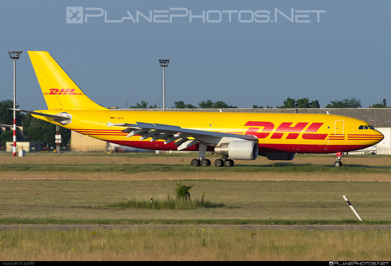Airbus A300B4-622RF - D-AEAD operated by DHL (European Air Transport) #a300 #airbus