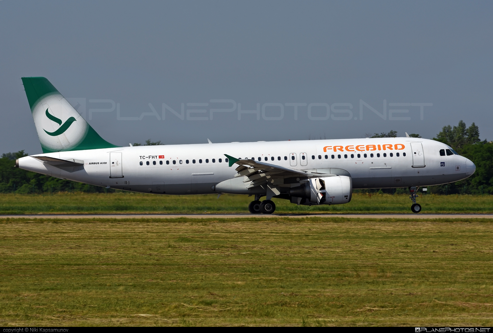 Airbus A320-214 - TC-FHY operated by Freebird Airlines #a320 #a320family #airbus #airbus320