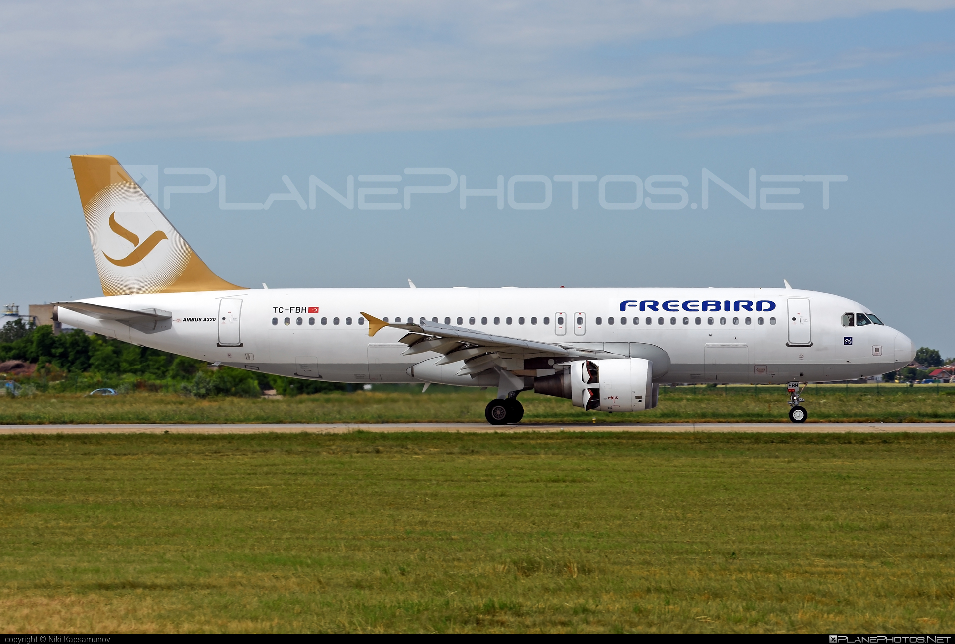 Airbus A320-214 - TC-FBH operated by Freebird Airlines #a320 #a320family #airbus #airbus320