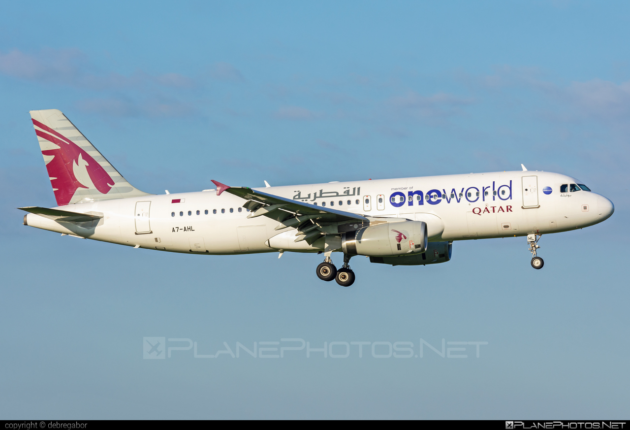 Airbus A320-232 - A7-AHL operated by Qatar Airways #a320 #a320family #airbus #airbus320 #oneworld #qatarairways