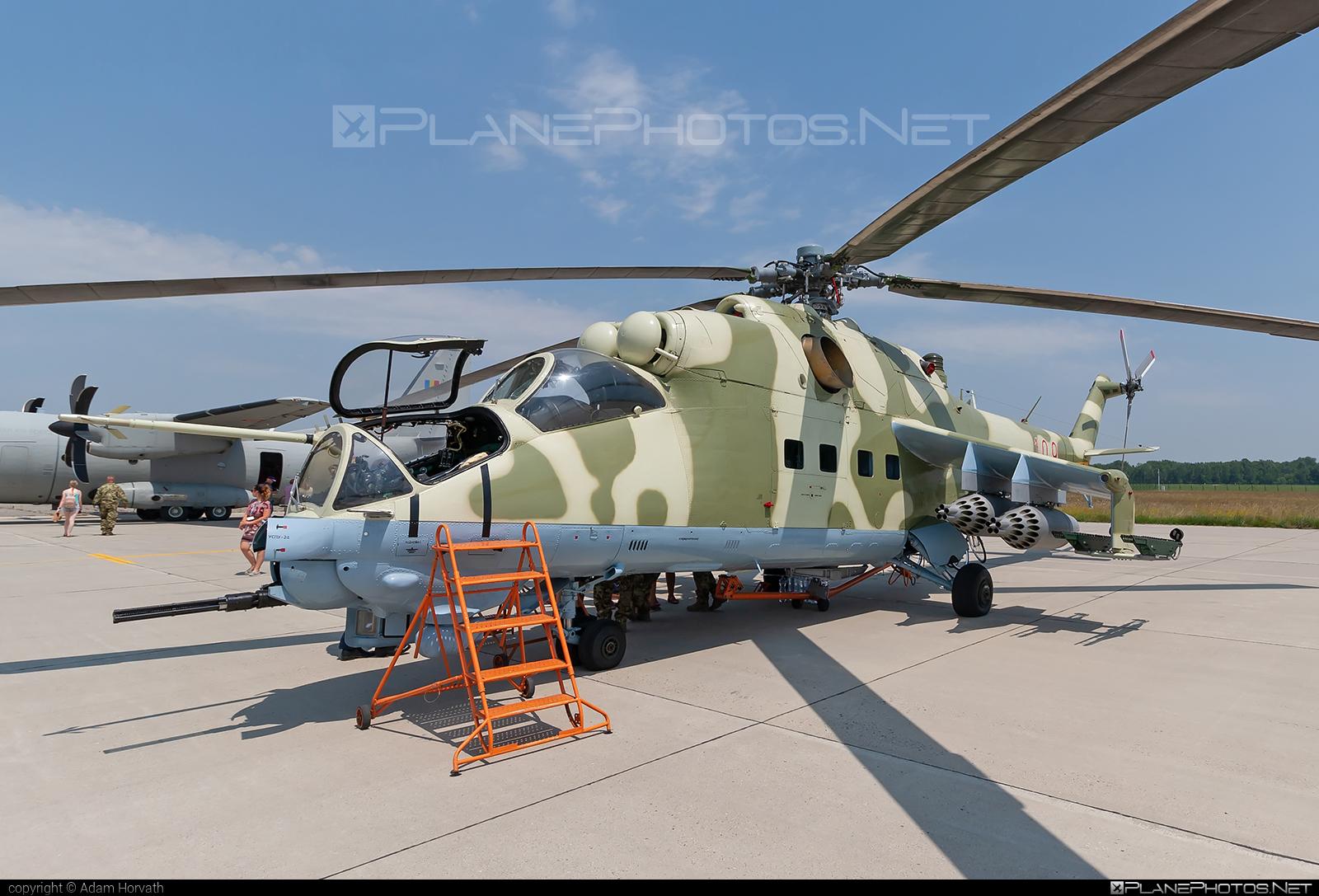 Mil Mi-24D - 109 operated by Magyar Légierő (Hungarian Air Force) #hungarianairforce #magyarlegiero #mi24 #mi24d #mil #mil24 #mil24d #milhelicopters