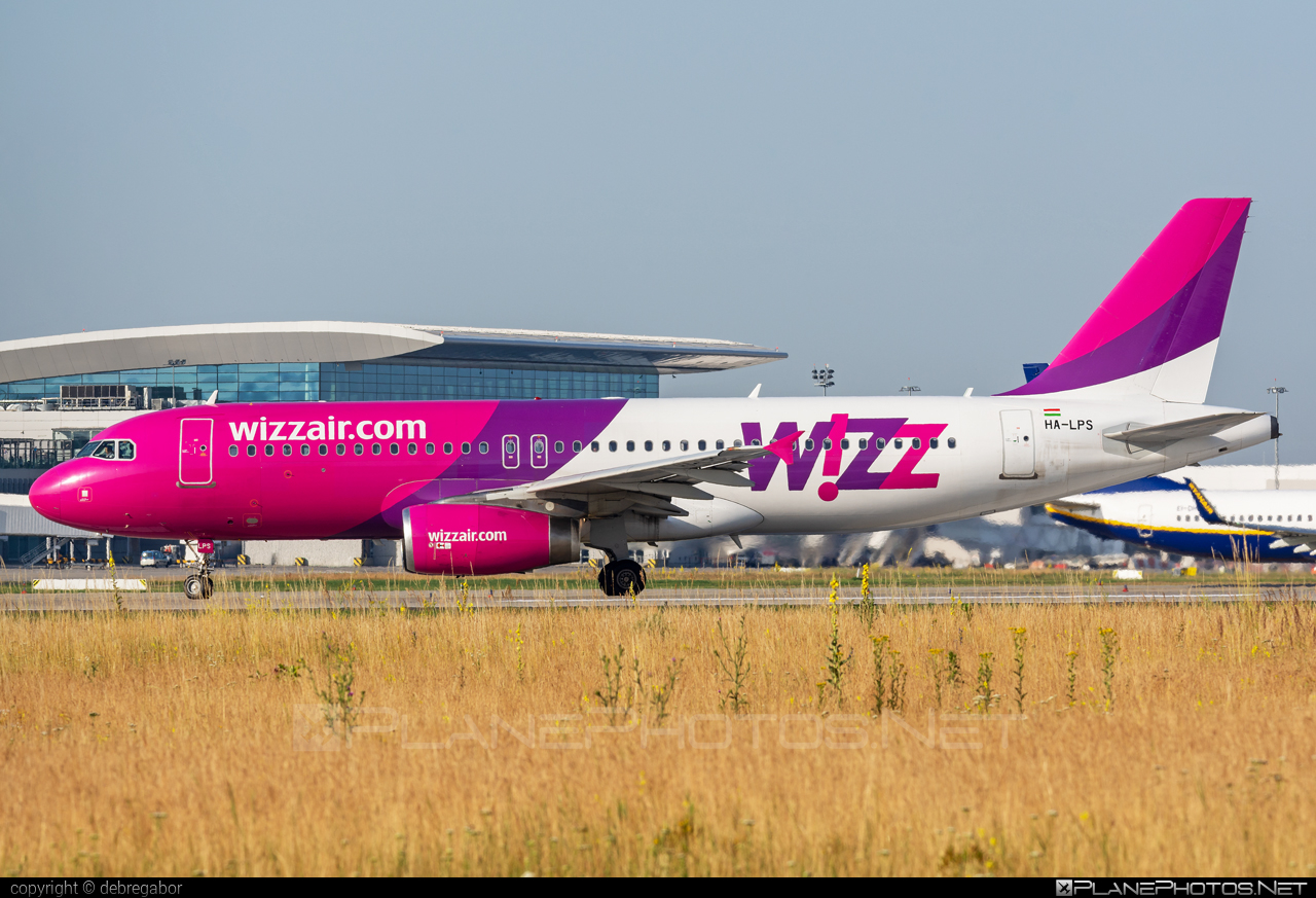 Airbus A320-232 - HA-LPS operated by Wizz Air #a320 #a320family #airbus #airbus320 #wizz #wizzair