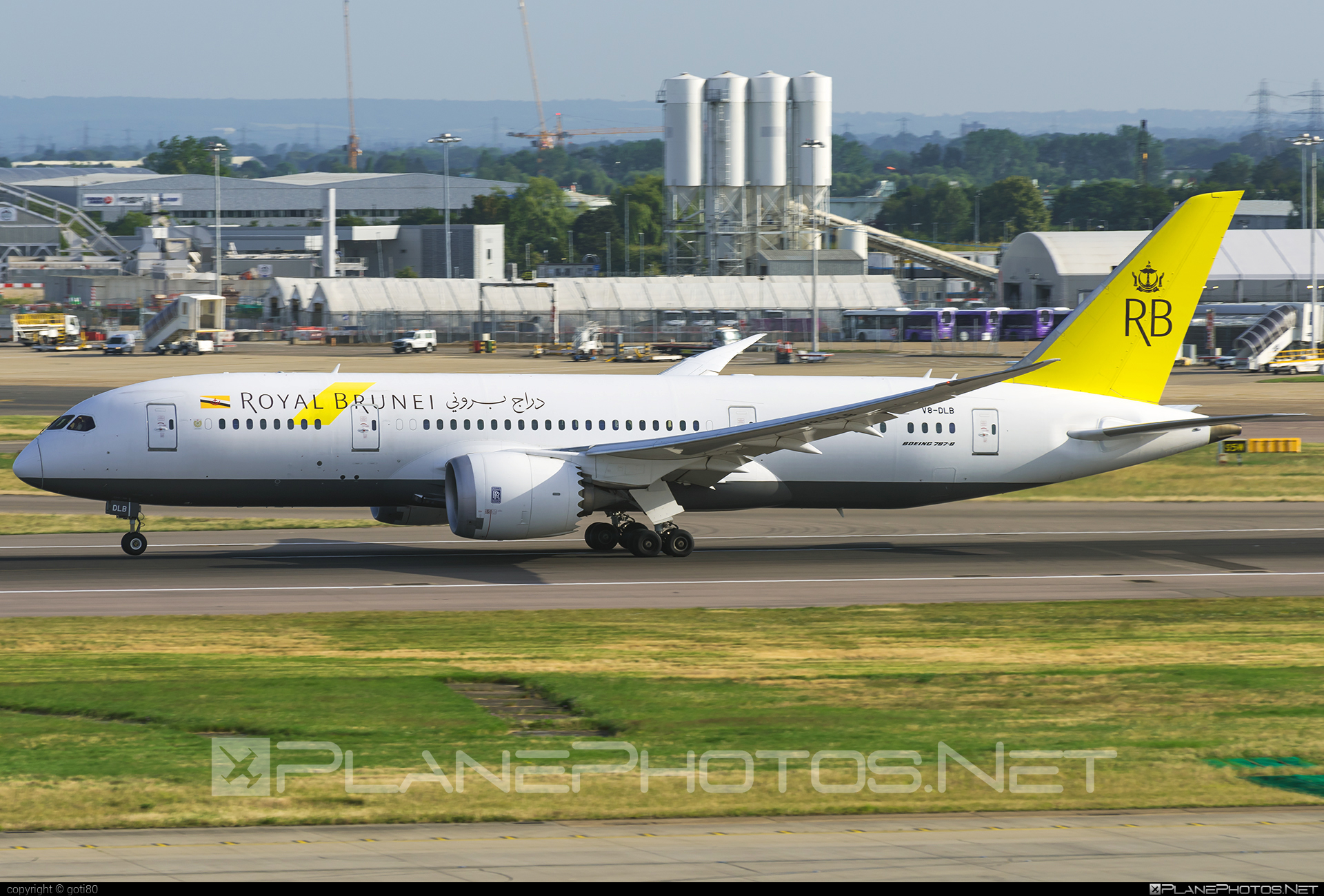 Boeing 787-8 Dreamliner - V8-DLB operated by Royal Brunei Airlines #b787 #boeing #boeing787 #dreamliner