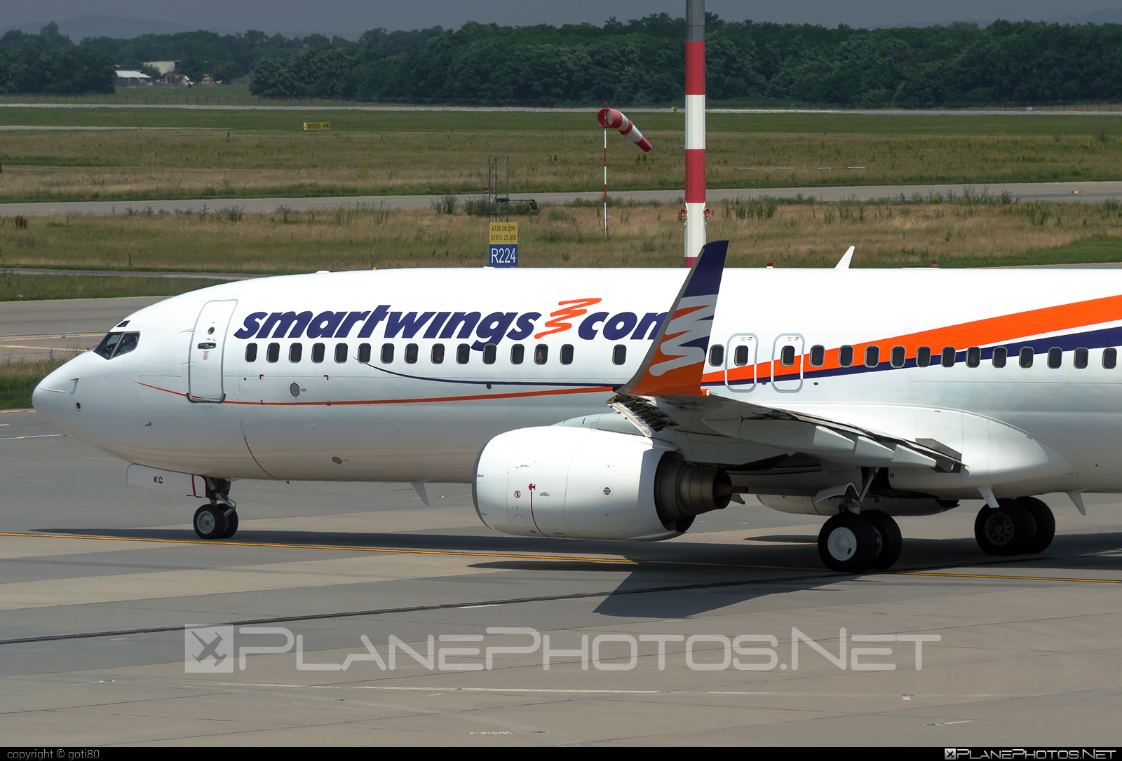 Boeing 737-800 - HA-LKG operated by Smart Wings #b737 #b737nextgen #b737ng #boeing #boeing737 #smartwings