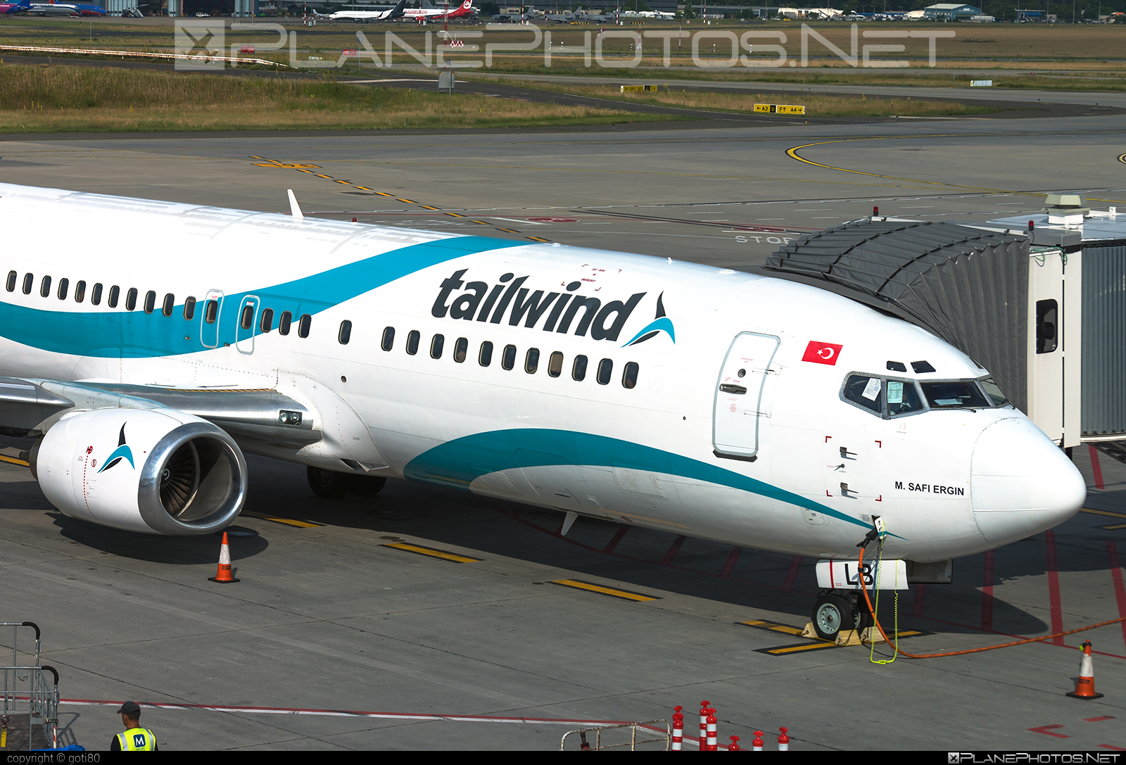Boeing 737-400 - TC-TLB operated by Tailwind Airlines #b737 #boeing #boeing737