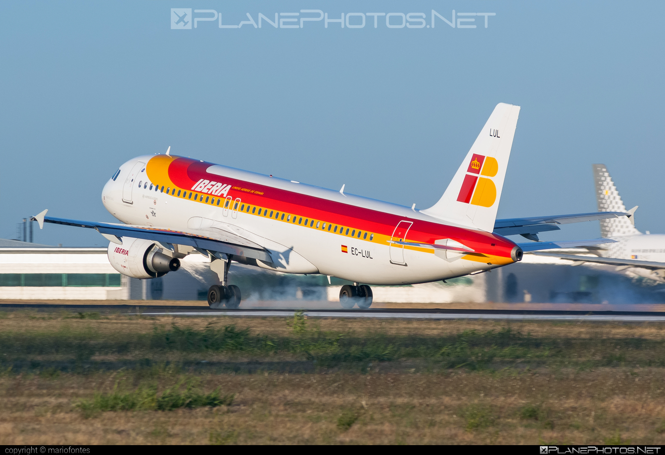 Airbus A320-216 - EC-LUL operated by Iberia #a320 #a320family #airbus #airbus320 #iberia