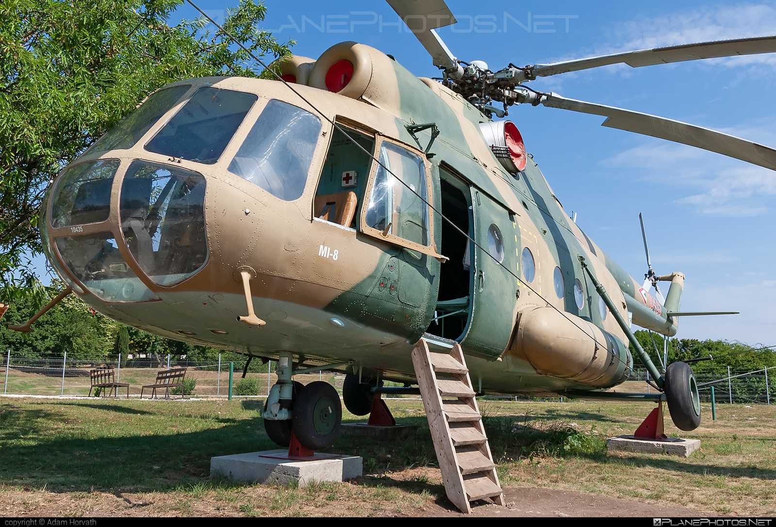 Mil Mi-8T - 10435 operated by Magyar Légierő (Hungarian Air Force) #hungarianairforce #magyarlegiero #mil #milhelicopters