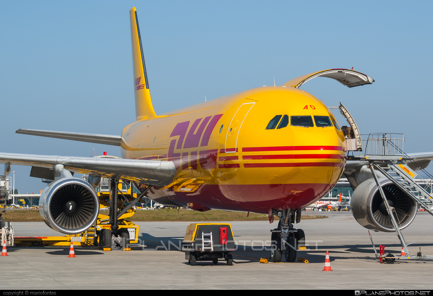 Airbus A300F4-622R - D-AEAO operated by DHL (European Air Transport) #a300 #airbus