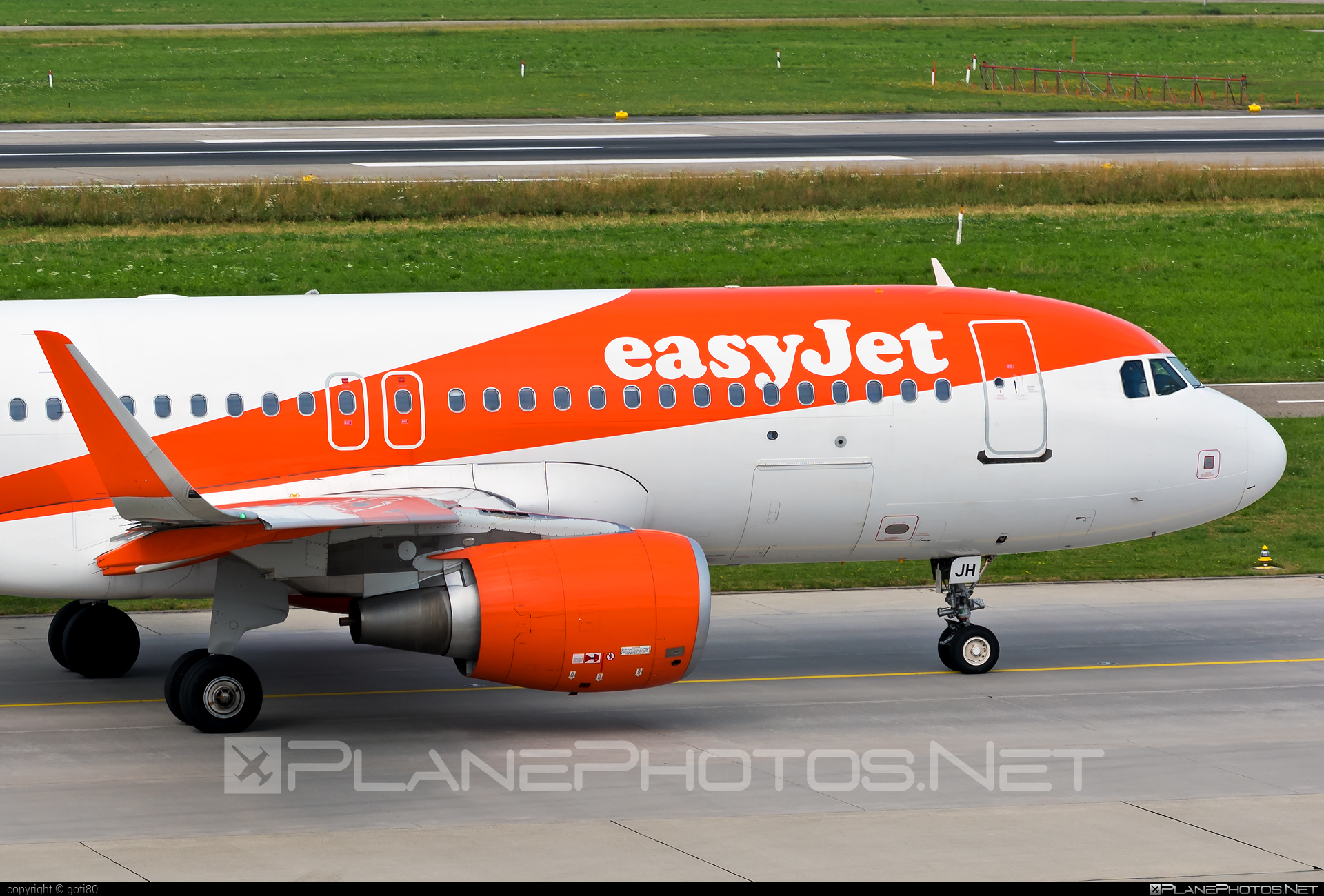 Airbus A320-214 - OE-IJH operated by easyJet Europe #a320 #a320family #airbus #airbus320 #easyjet #easyjeteurope