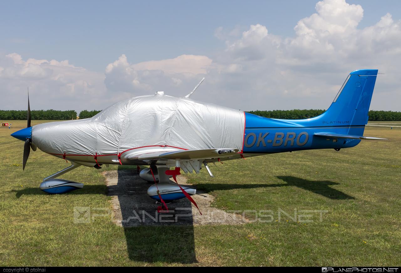 Cirrus SR22T GTS G5 - OK-BRO operated by T-air #cirrus #cirrus22 #sr22 #sr22g5 #sr22t #sr22tgts #tair