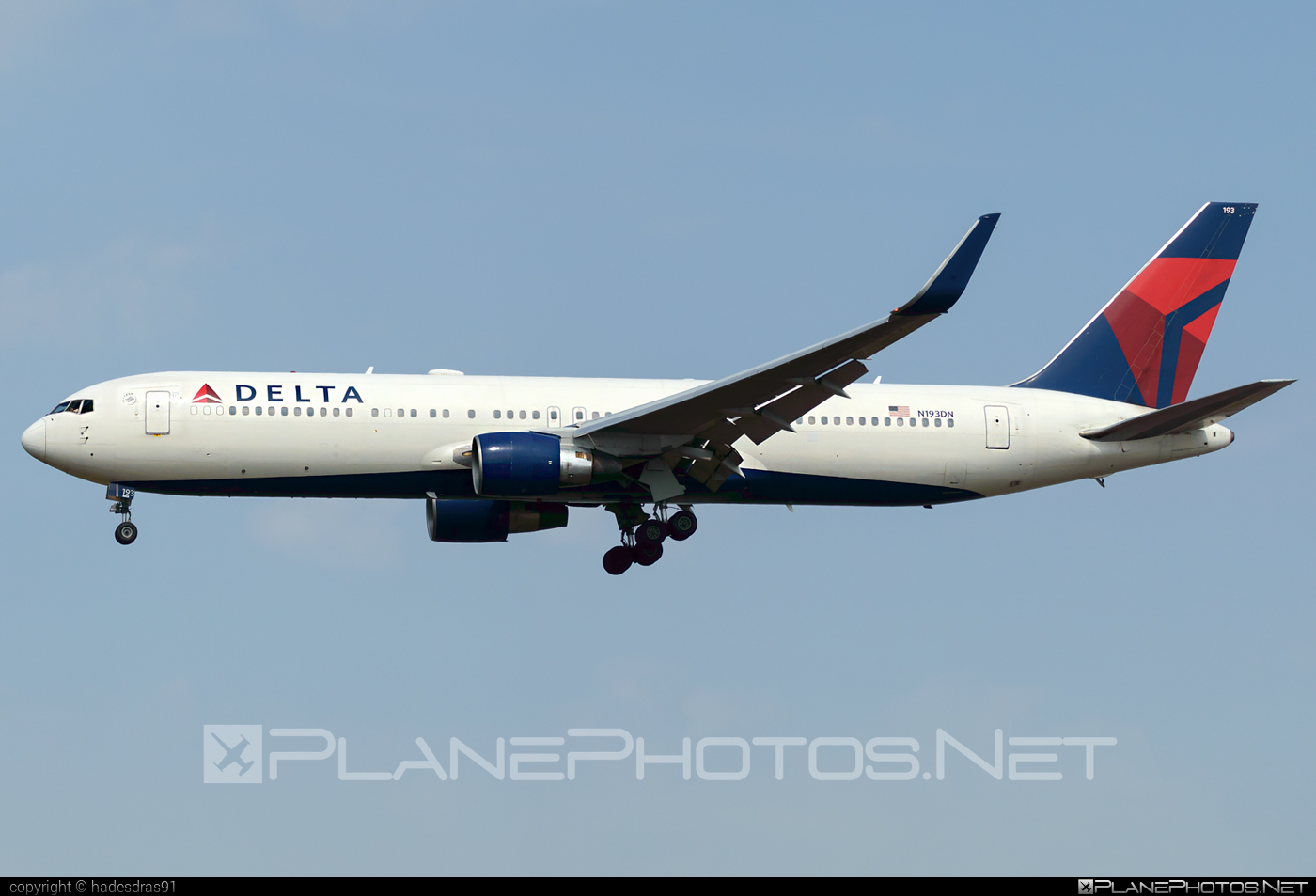 Boeing 767-300ER - N193DN operated by Delta Air Lines #b767 #b767er #boeing #boeing767 #deltaairlines