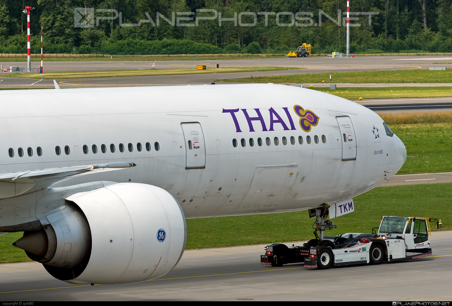 Boeing 777-300ER - HS-TKM operated by Thai Airways #b777 #b777er #boeing #boeing777 #thaiairways #tripleseven
