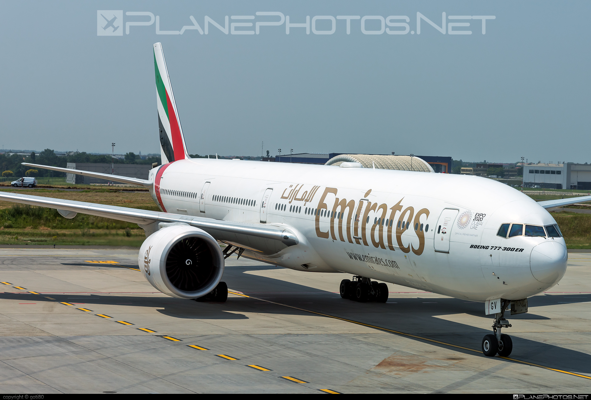 Boeing 777-300ER - A6-EGV operated by Emirates #b777 #b777er #boeing #boeing777 #emirates #tripleseven