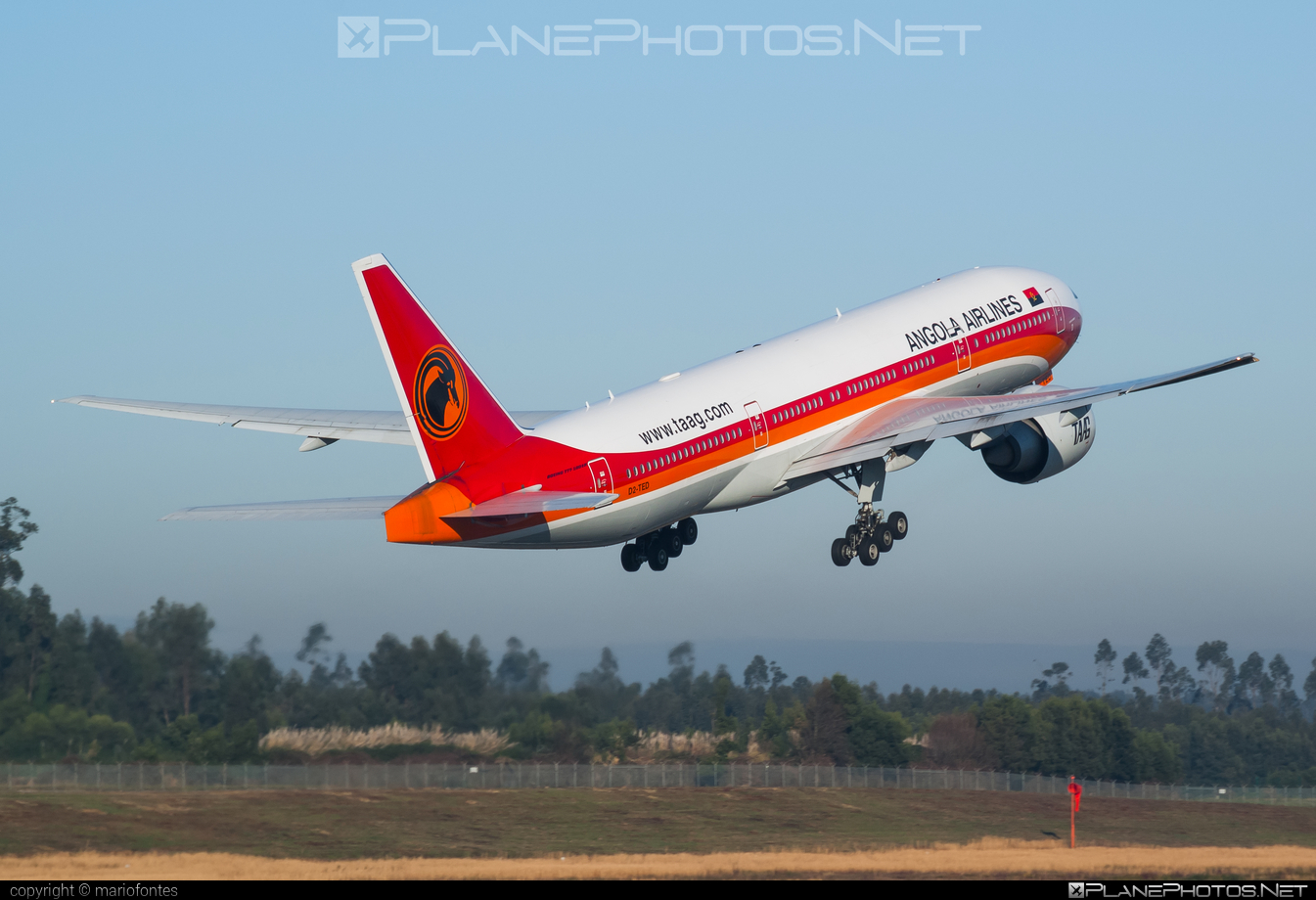 Boeing 777-200ER - D2-TED operated by TAAG Linhas Aéreas de Angola #b777 #b777er #boeing #boeing777 #tripleseven