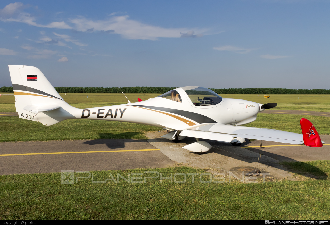 Aquila A210 - D-EAIY operated by Private operator #aquila #aquila210 #aquilaa210 #aquilaaircraft