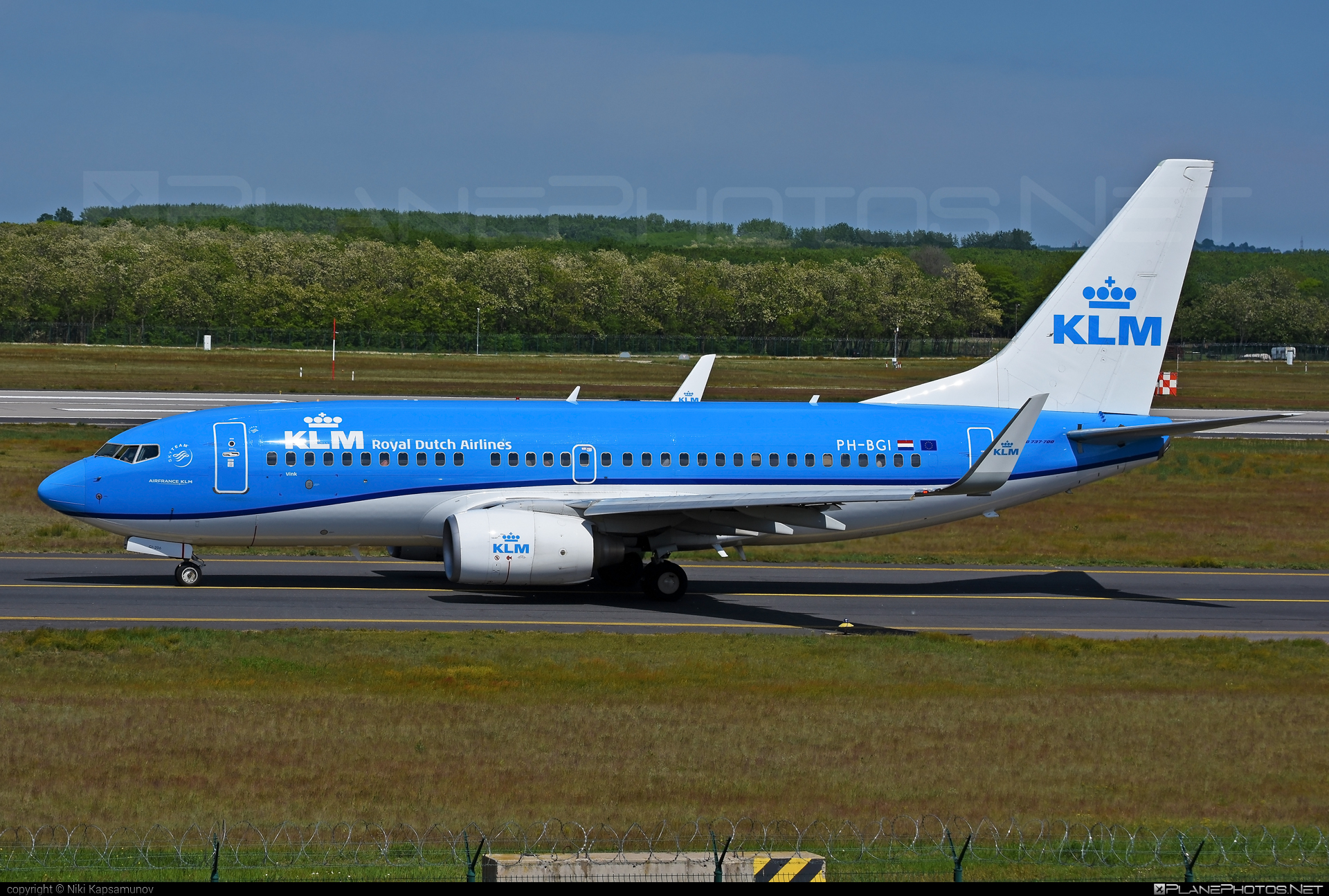 Boeing 737-700 - PH-BGI operated by KLM Royal Dutch Airlines #b737 #b737nextgen #b737ng #boeing #boeing737 #klm #klmroyaldutchairlines #royaldutchairlines