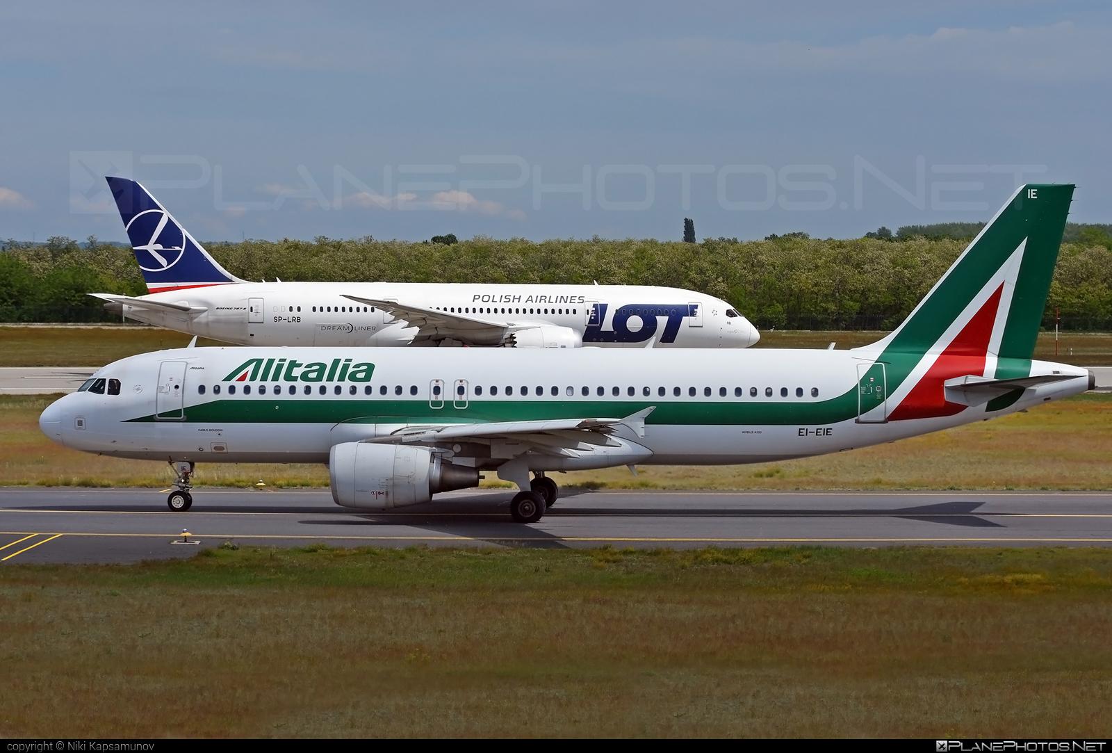Airbus A320-216 - EI-EIE operated by Alitalia #a320 #a320family #airbus #airbus320 #alitalia