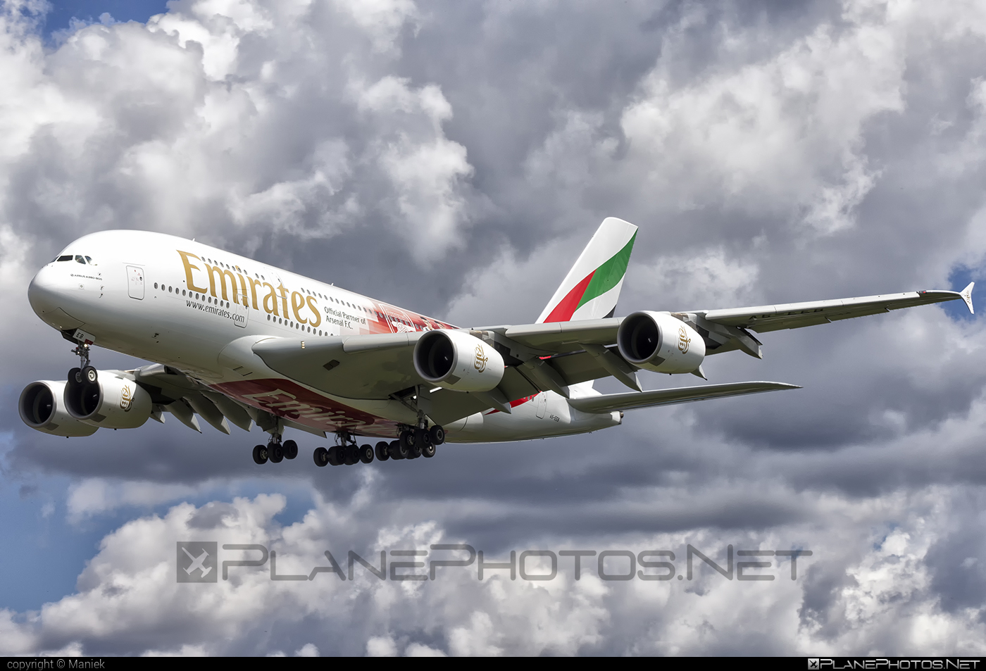 Airbus A380-861 - A6-EEB operated by Emirates #a380 #a380family #airbus #airbus380 #emirates