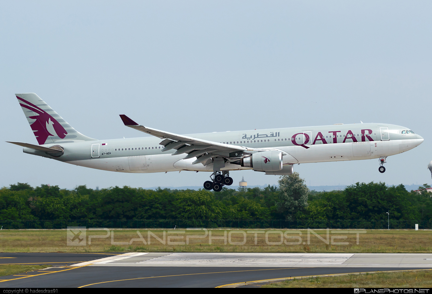 Airbus A330-302 - A7-AEH operated by Qatar Airways #a330 #a330family #airbus #airbus330 #qatarairways