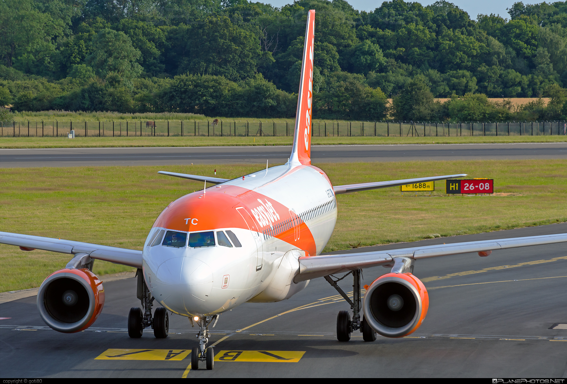 Airbus A320-214 - G-EZTC operated by easyJet #a320 #a320family #airbus #airbus320 #easyjet