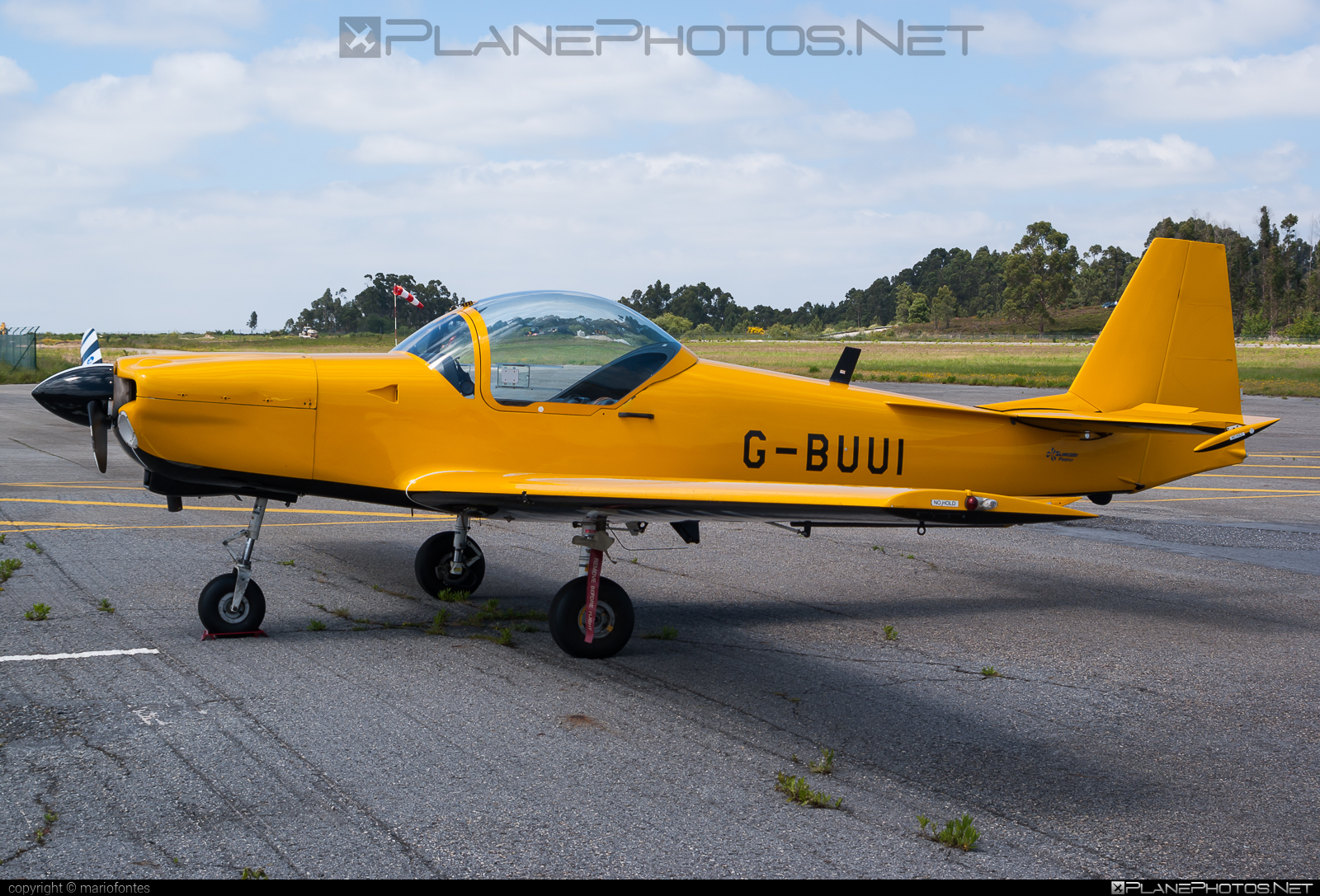 Slingsby T67M Mk.II Firefly - G-BUUI operated by Private operator