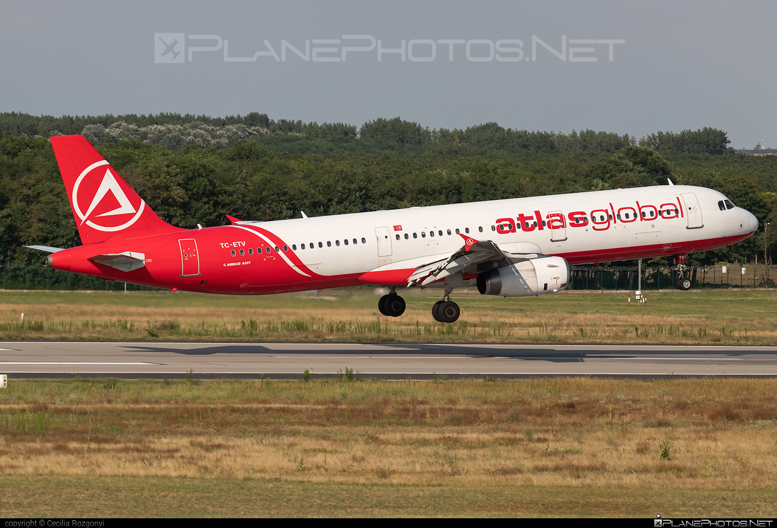 TC-ETV - Airbus A321-231 operated by Atlasglobal taken by