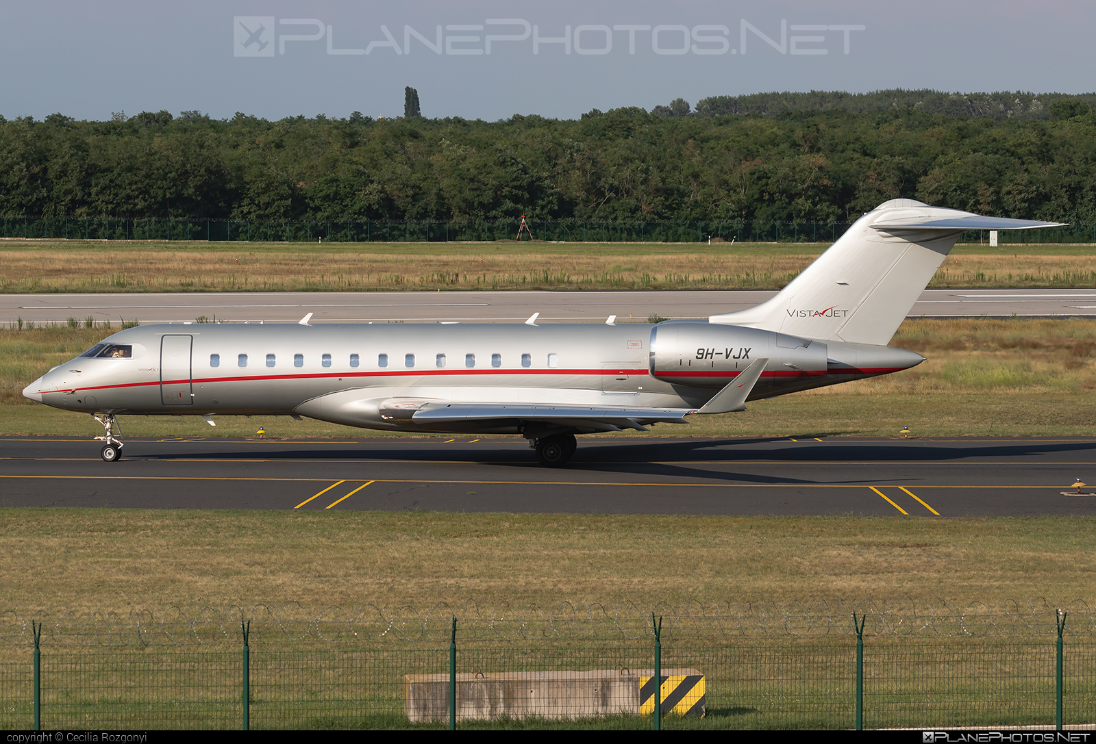 Bombardier Global 6000 (BD-700-1A10) - 9H-VJX operated by VistaJet #bd7001a10 #bombardier #bombardierglobal6000 #global6000 #vistajet