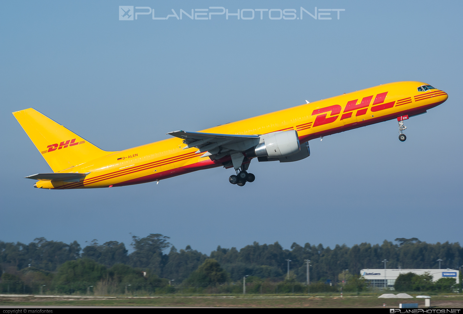 Boeing 757-200PCF - D-ALEN operated by DHL (European Air Transport) #b757 #b757200pcf #b757pcf #boeing #boeing757 #boeing757200pcf #boeing757pcf