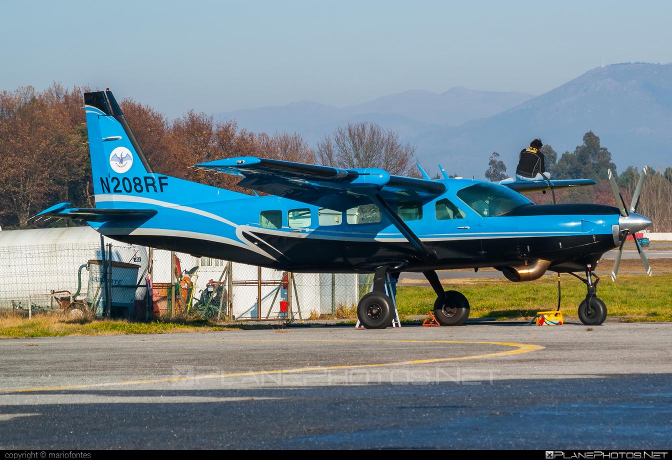 Cessna 208 Caravan I - N208RF operated by Private operator #cessna #cessna208 #cessna208caravan #cessna208caravani #cessnacaravan