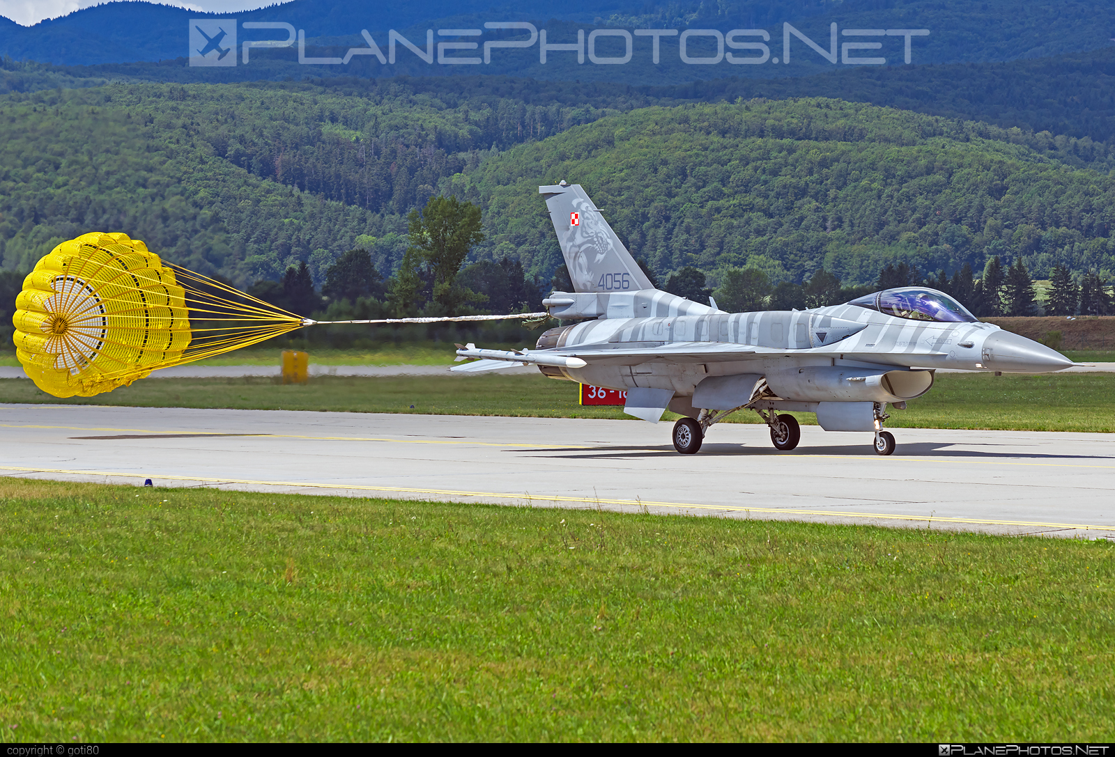 Lockheed Martin F-16CJ Fighting Falcon - 4056 operated by Siły Powietrzne Rzeczypospolitej Polskiej (Polish Air Force) #f16 #f16cj #fightingfalcon #lockheedmartin #polishairforce #siaf2019 #silypowietrzne