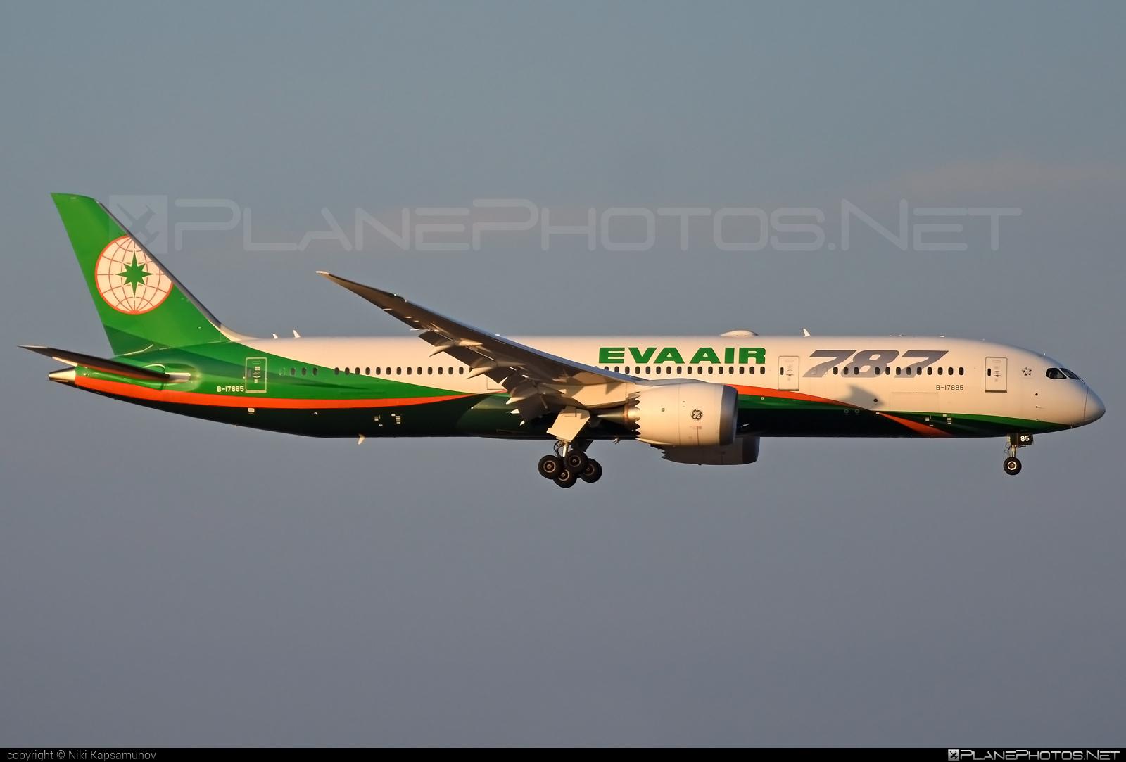 Boeing 787-9 Dreamliner - B-17885 operated by EVA Air #b787 #boeing #boeing787 #dreamliner