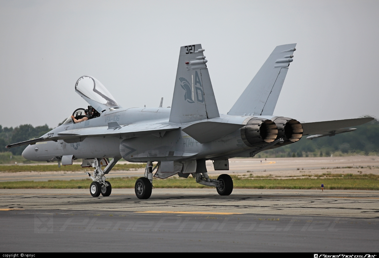 McDonnell Douglas F/A-18C Hornet - 163499 operated by US Marine Corps (USMC) #f18 #f18hornet #fa18 #fa18c #fa18hornet #mcdonnelldouglas