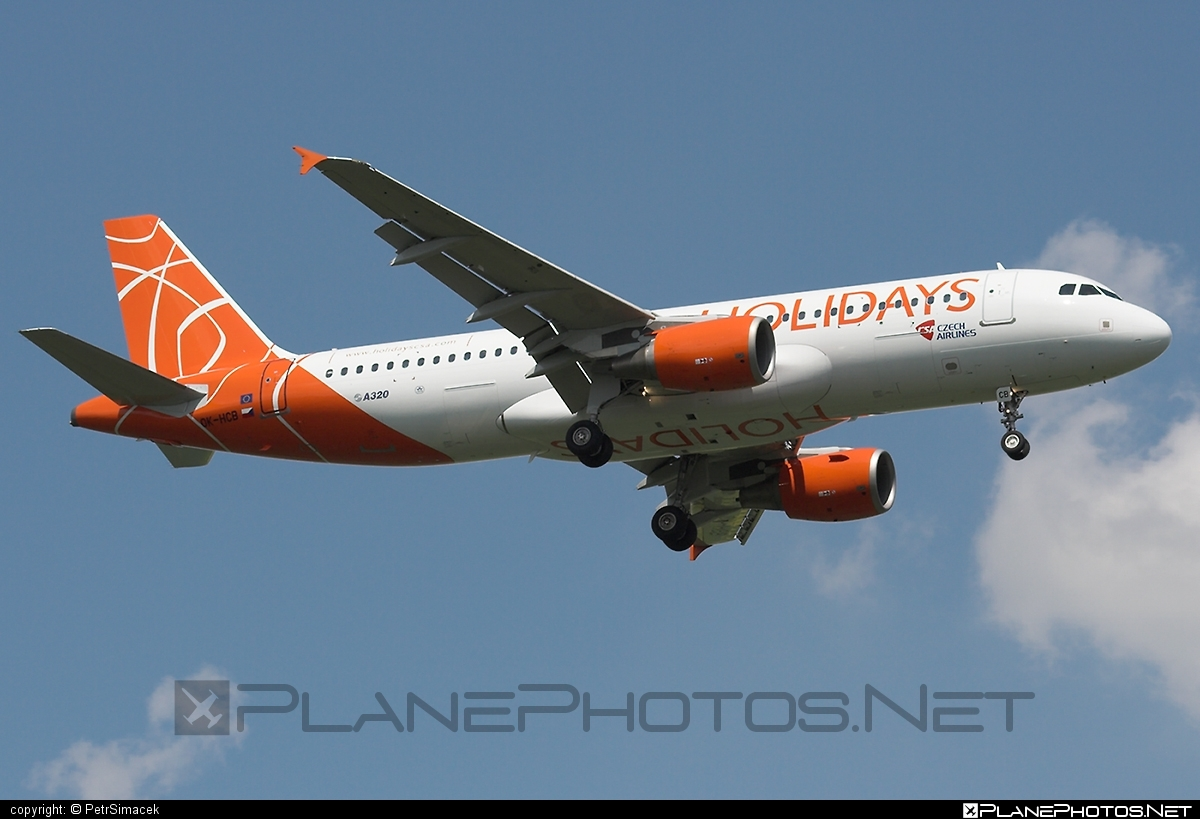 Airbus A320-214 - OK-HCB operated by Holidays Czech Airlines #a320 #a320family #airbus #airbus320