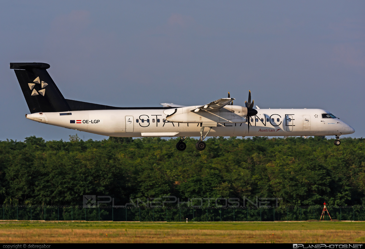 Bombardier DHC-8-Q402 Dash 8 - OE-LGP operated by Austrian Airlines #bombardier #staralliance