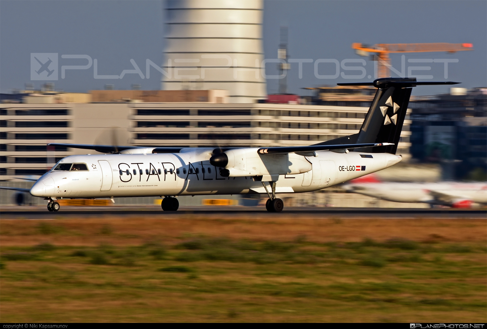 Bombardier DHC-8-Q402 Dash 8 - OE-LGO operated by Australian Airlines #bombardier #staralliance