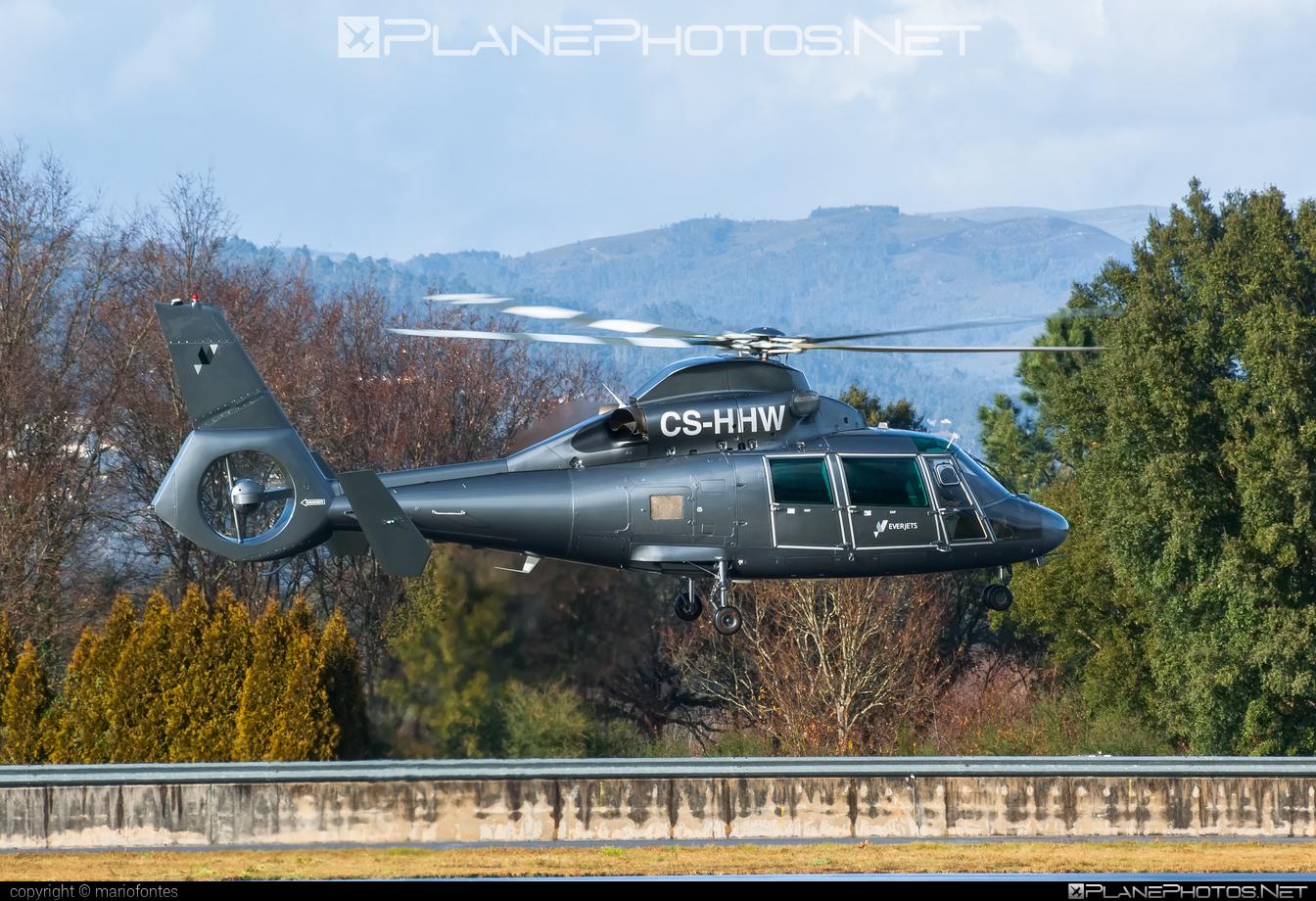 Aerospatiale SA365 N1 Dauphin 2 - CS-HHW operated by Everjets - Aviação Executiva, S.A. #aerospatiale #aerospatialedauphin #everjets #sa365 #sa365dauphin #sa365n1 #sa365n1dauphin
