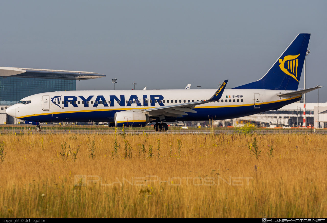 Boeing 737-800 - EI-ESP operated by Ryanair #b737 #b737nextgen #b737ng #boeing #boeing737 #ryanair