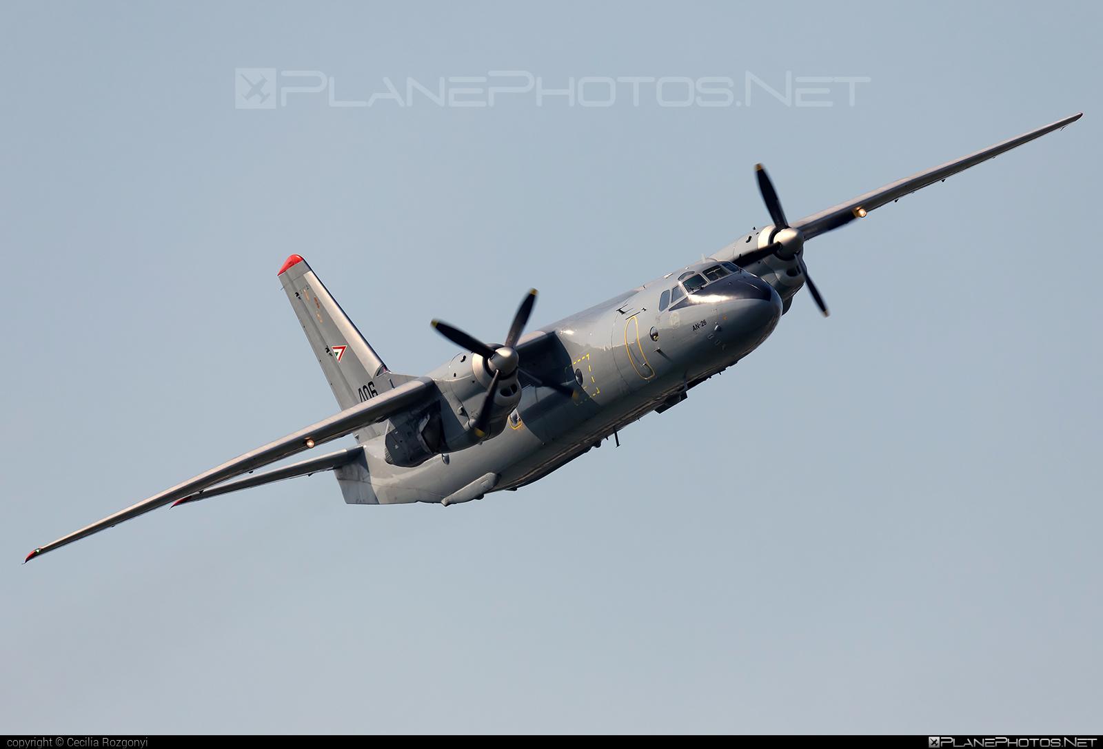 Antonov An-26 - 406 operated by Magyar Légierő (Hungarian Air Force) #an26 #antonov #antonov26 #hungarianairforce #magyarlegiero