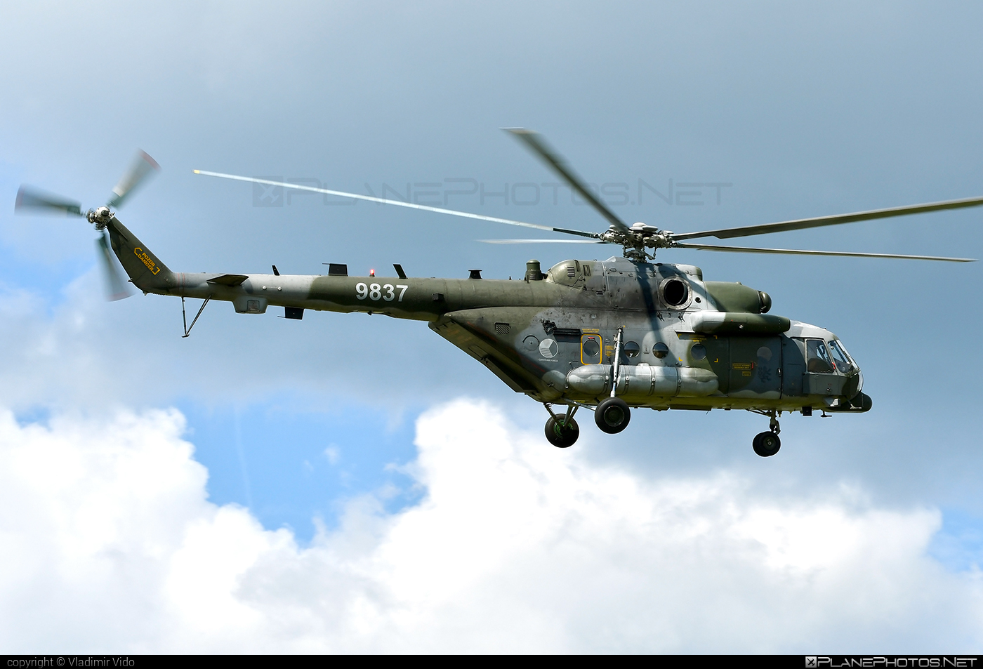 Mil Mi-171Sh - 9837 operated by Vzdušné síly AČR (Czech Air Force) #czechairforce #mi171 #mi171sh #mil #mil171 #milhelicopters #siaf2019 #vzdusnesilyacr
