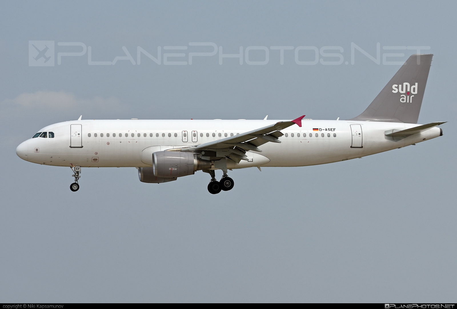 Airbus A320-214 - D-ASEF operated by Sundair #a320 #a320family #airbus #airbus320